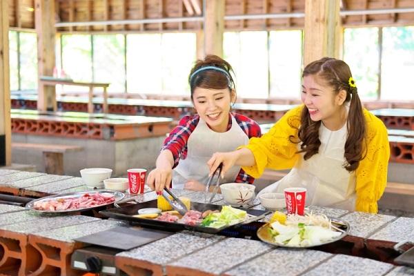 【食欲の秋★焼肉食べ放題】利用日選べるバーベキューランチ&<滞在中遊び放題>遊園地券付き