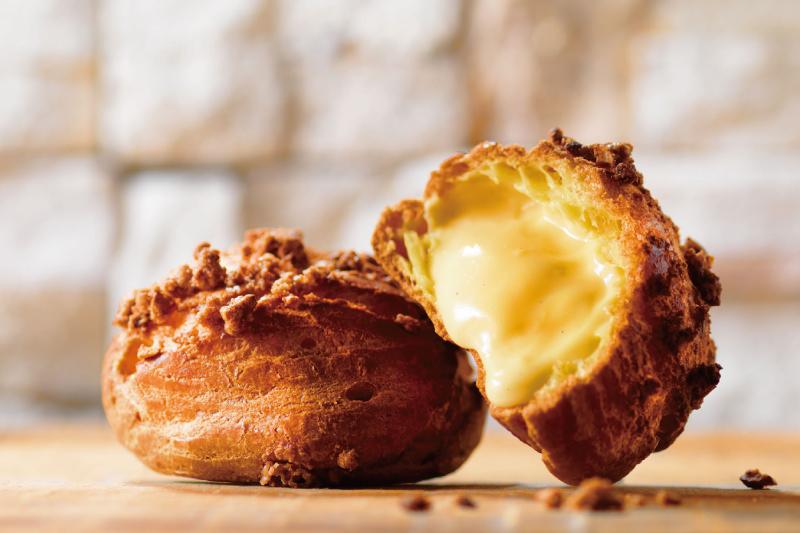 美瑛牛乳と白老「マザーズ」の赤卵を使った濃厚でなめらかなカスタードクリーム