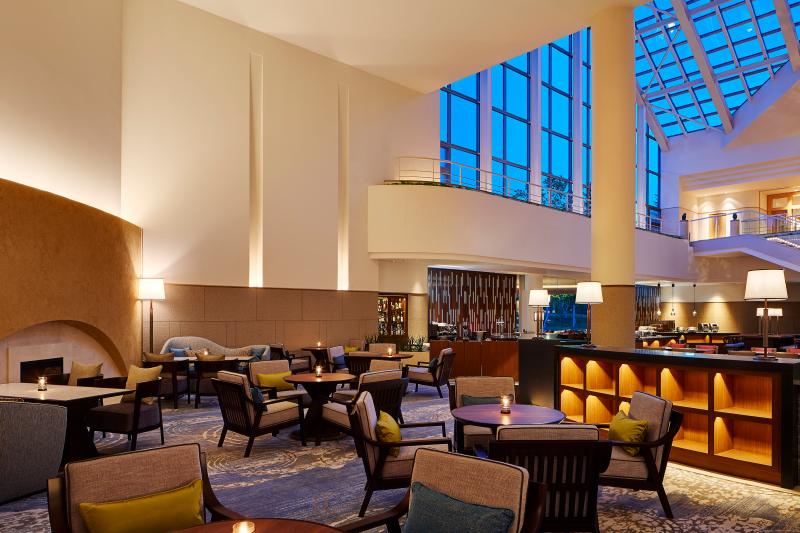 ホテルロビー、オールデイダイニングに隣接。ご滞在の拠点となるロビーラウンジです