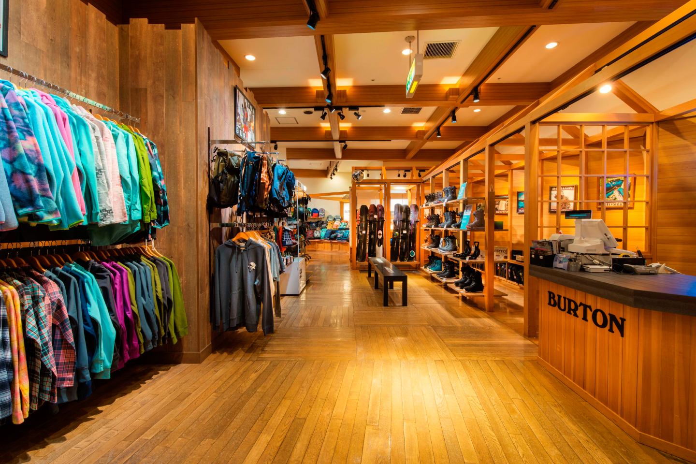 Burton Store - Rusutsu