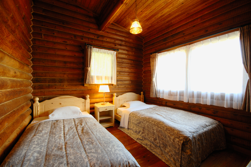 Guest room example (the interior differs depending on the floor and building)