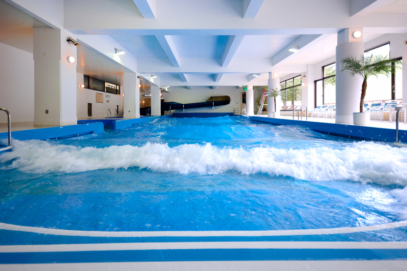 Guests can use the indoor wave pool for free (*fees are required if you use it after you check-out).