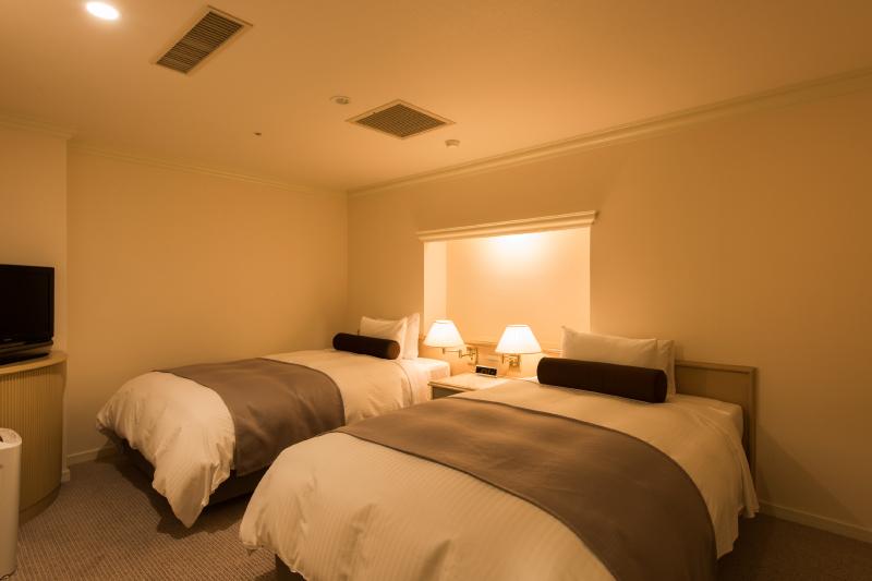 ベッドルーム (シングルベッド2台)