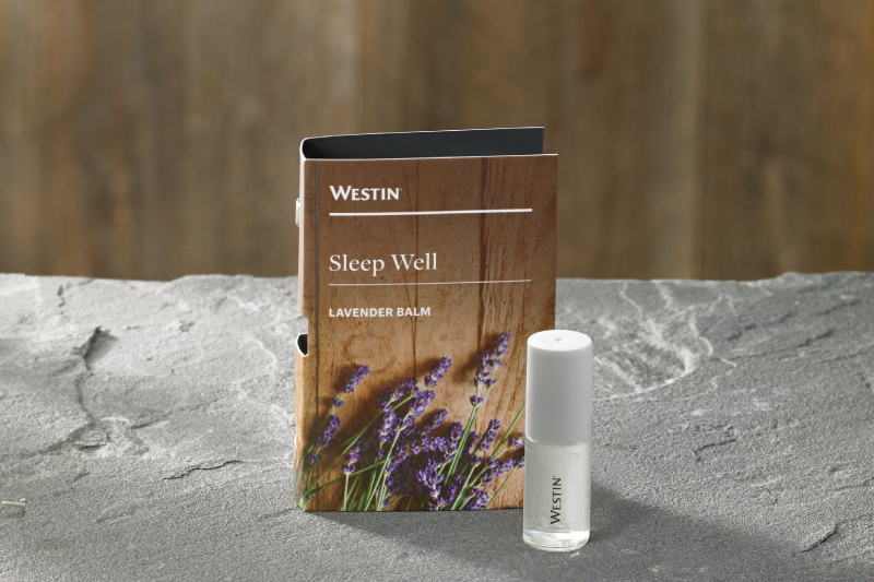 客室には、心地良い香りが良質な睡眠を誘うラベンダーバームを
