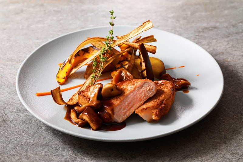 9月「秋の味覚フェア」ルスツ高原豚のソテー シャスールソース