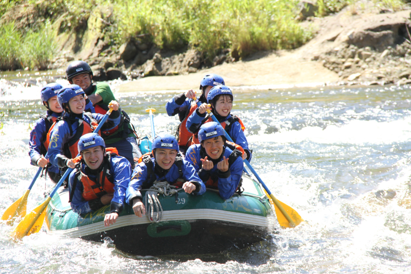 Would you like to experience Rafting? Discover our recommended activities around the Rusutsu & Niseko area!