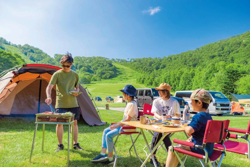 新しくリニューアルされた「ルスツ山はともだちキャンプ場」を詳しくご紹介します