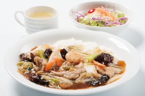 中華丼 (スープ・サラダ付)