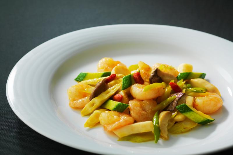 海老と彩り野菜の黄金ソース炒め