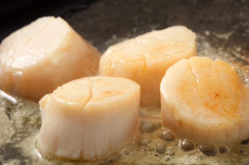 目の前でお作りする、贅沢な北海道食材を使ったメニュー