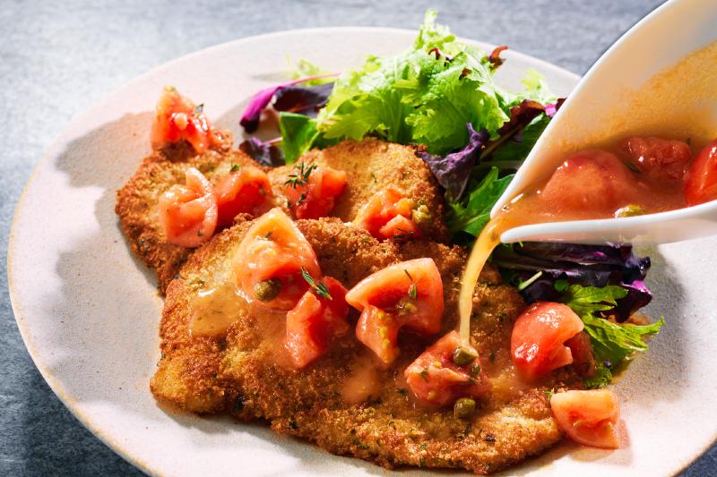 ルスツ高原豚ひれ肉のミラノ風カツレツ トマトソース