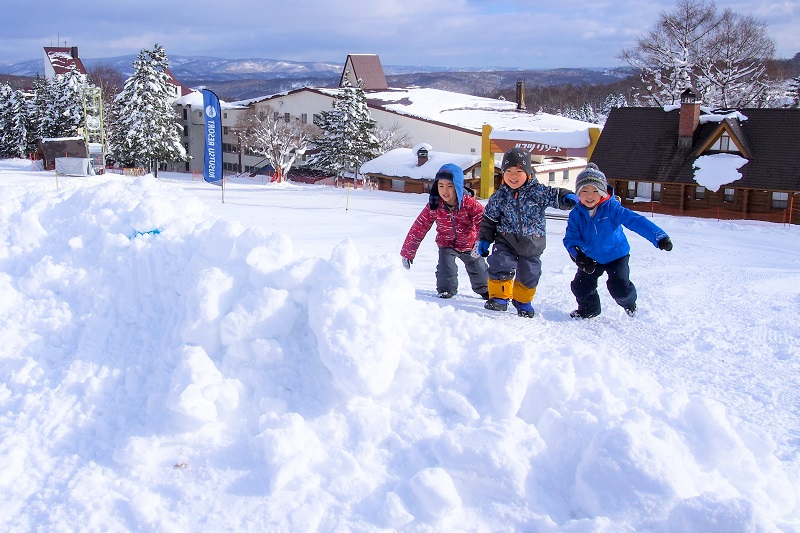 雪遊びで楽しく、ココロもカラダも元気に!「ルスツ・ウェルネス雪上運動会」を開催‼